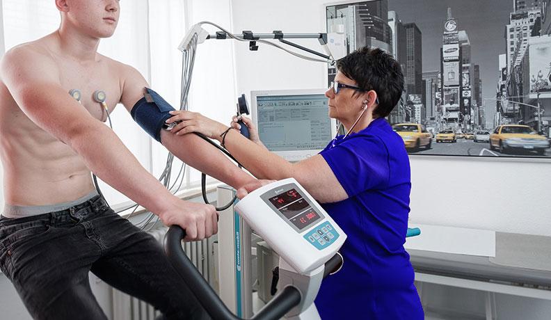 Belastungs_EKG_Praxis_Dr.Schenzler